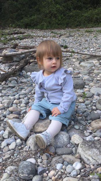 viaggiare con bambini: passeggiata la fiume